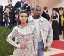 Primo piano di Kim Kardashian e Kanye West