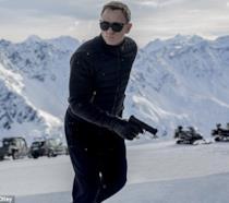Daniel Craig è James Bond in una scena di Spectre
