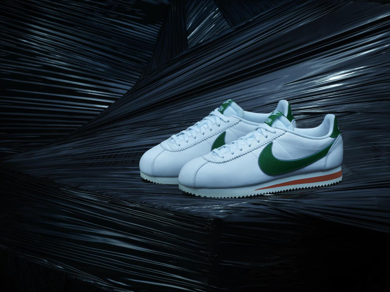 Le Nike Cortez in tema Stranger Things