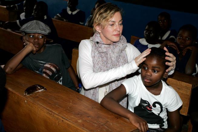 Primo piano di Madonna e Mercy