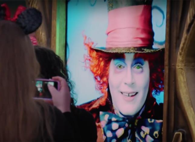 Il Cappellaio Matto interattivo di Johnny Depp a Disneyland