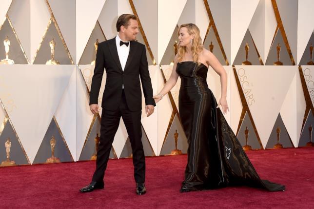 Leonardo DiCaprio e Kate Winslet all'88esima cerimonia degli Oscar