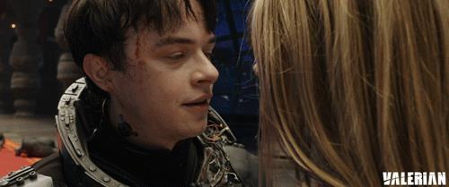 Il bacio ne Valerian e la città dei mille pianeti