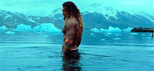 Aquaman nell'acqua