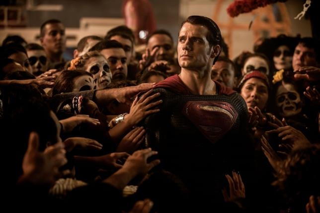 Le reazioni dei fan all'addio di Henry Cavill da Superman