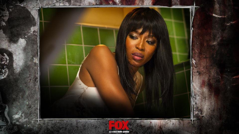 CLAUDIA (Naomi Campbell) – Editor di Vogue, decide di stare al Cortez ma finirà per pentirsene.