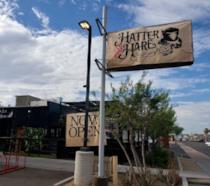 L'entrata del nuovo locale di Phoenix ispirato alla favola di Carroll