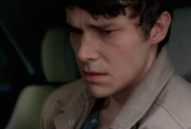 """Kyle (comparso nell'episodio 2, """"Mutazione genetica"""") è un ragazzo adottato il cui cognome, Gilligan, è un omaggio a Vince Gilligan - creatore di Breaking Bad e produttore esecutivo di X-Files."""