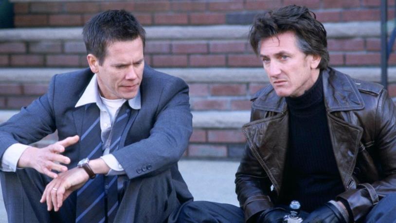Kevin Bacon e Sean Penn in una scena del film