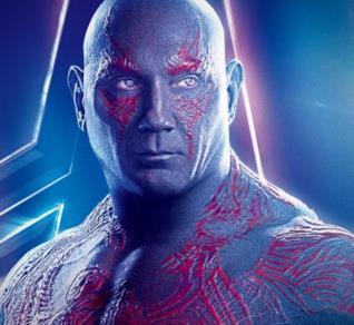 Un primo piano di Dave Bautista come Drax nel poster di Avengers: Infinity War