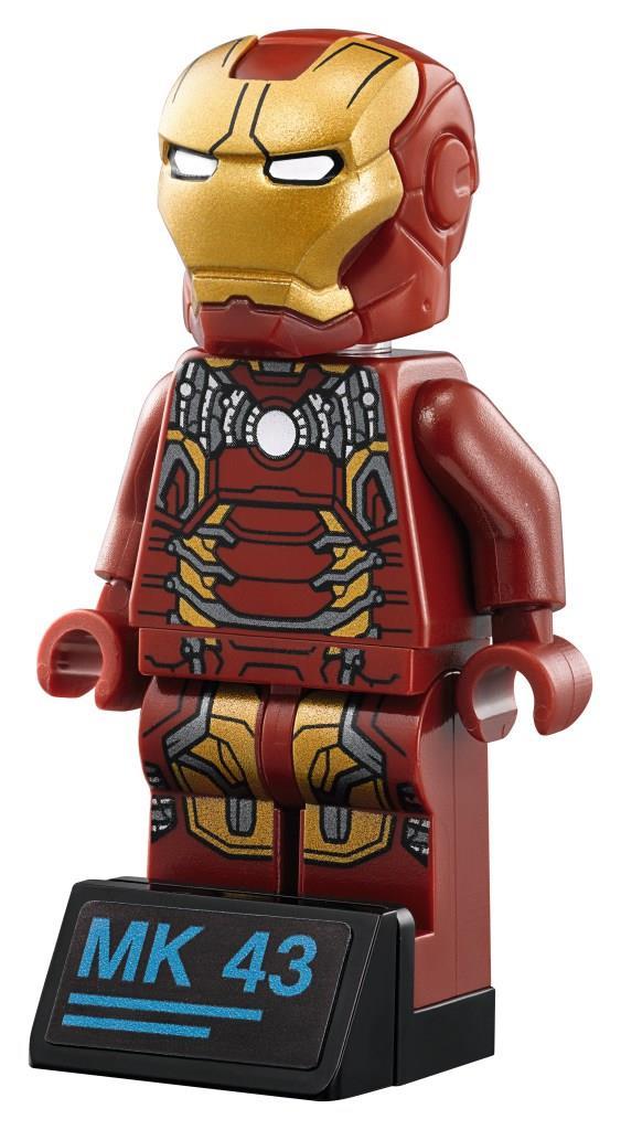 Primo piano della Minifigure Iron Man Mark 43 di LEGO