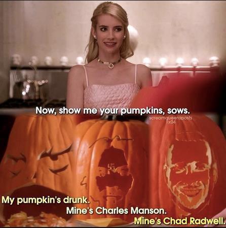 Chanel e le sue amiche intagliano zucche per Halloween