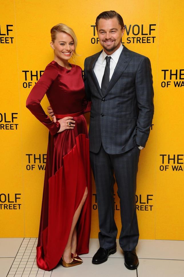 Margot Robbie e Leonardo DiCaprio a un evento ufficiale di The Wolf of Wall Street
