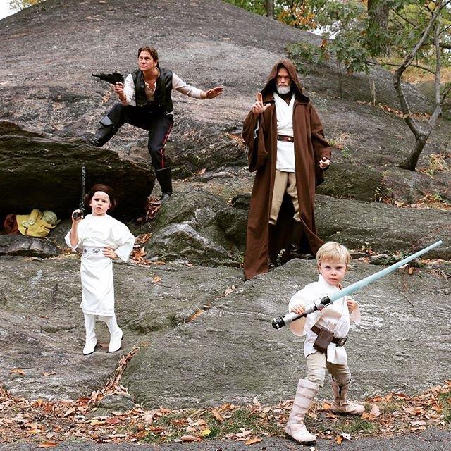Neil Patrick Harris e David Burtka e i loro bambini ad Halloween