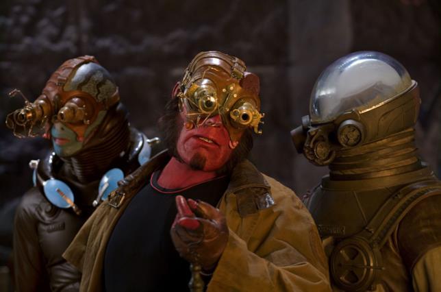 Ron Perlman è Hellboy