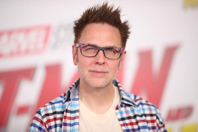 Un primo piano di James Gunn