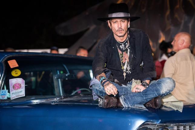 Uno scatto di Johnny Depp al Glastonbury Festival