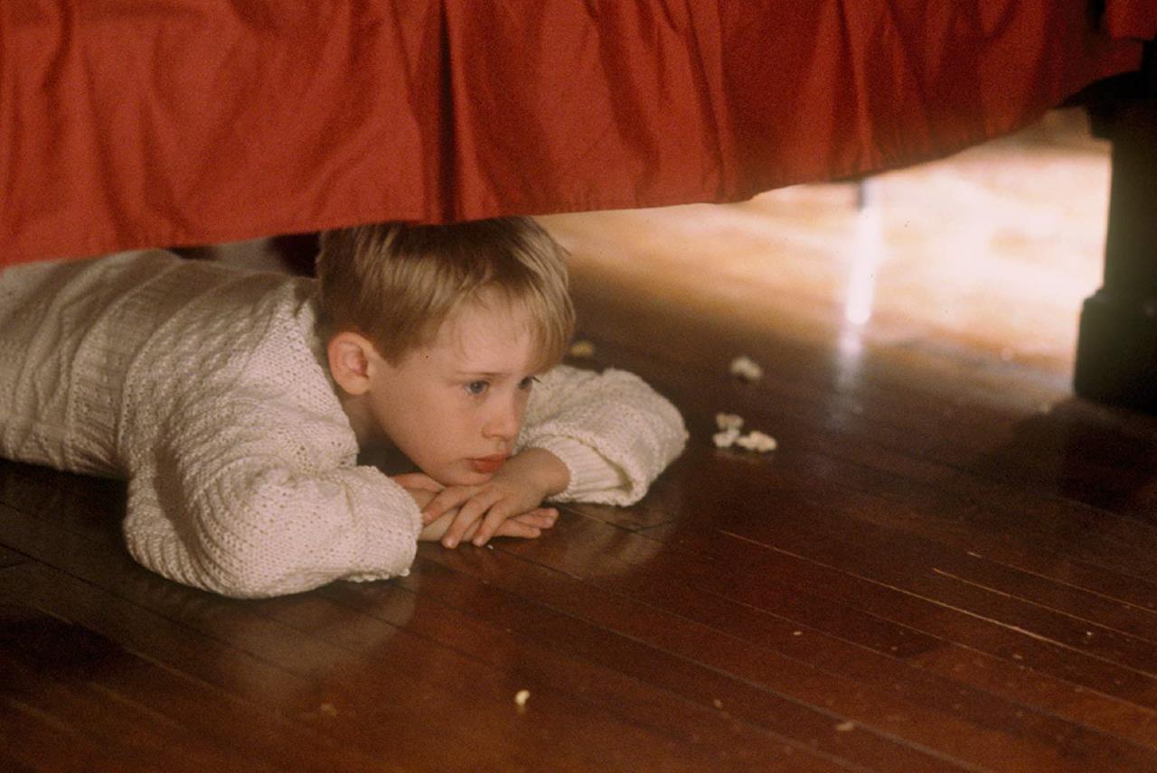 Il piccolo Kevin sotto al letto