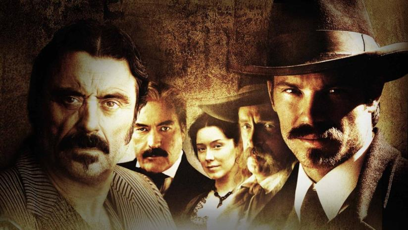 Ian McShane, Timothy Olyphant e parte del cast della serie TV Deadwood
