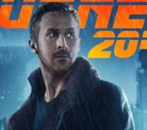 Ryan Gosling vaga tra le rovine in una scena di Blade Runner 2049