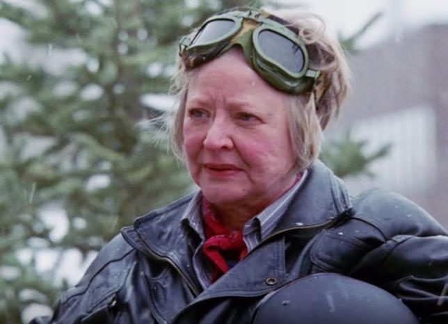 Edna Abbott interpretata da Debra Mooney