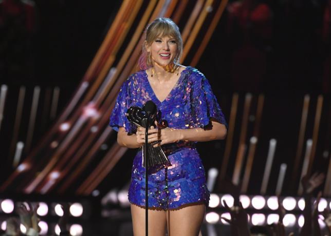 Taylor Swift agli iHeart Radio Music Awards