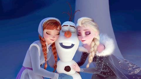 I personaggi animati Disney Anna, Olaf e Elsa protagonisti del film Frozen - Il Regno di Ghiaccio