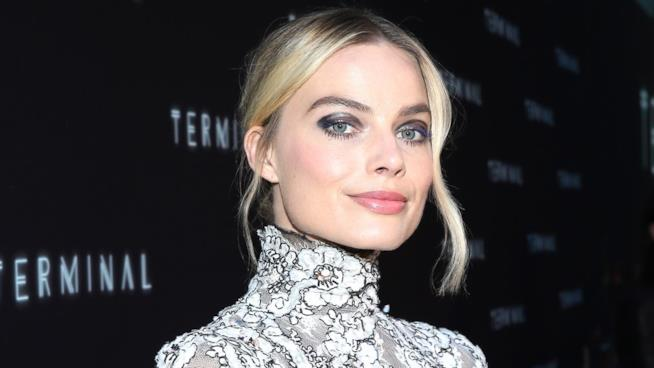 Margot Robbie sul red carpet a un evento ufficiale