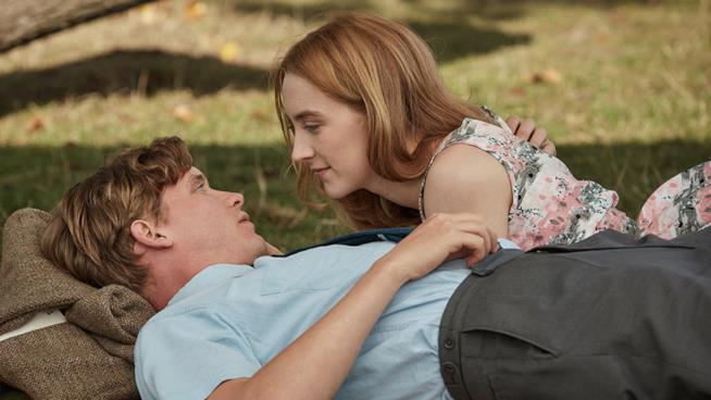 Billy Howle e Saoirse Ronan