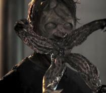 Uno zombie dai film di Resident Evil