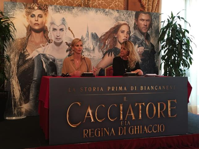 Charlize Theron a Milano per la conferenza stampa di Il Cacciatore e la Regina di Ghiaccio