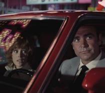 Sean Connery e Jill St. John in una scena del film