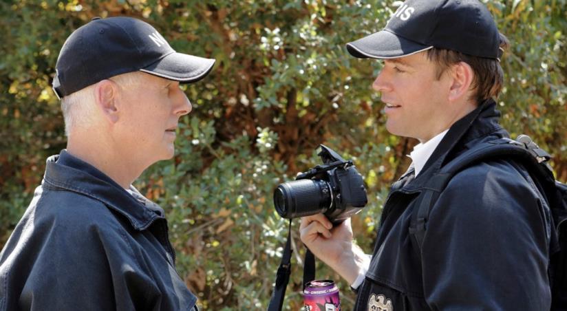 Mark Harmon e Michael Weatherly sul set di NCIS