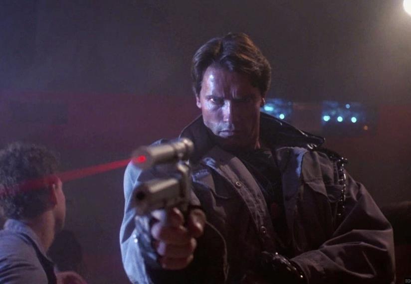Arnold Schwarzenegger in una scena del primo Terminator