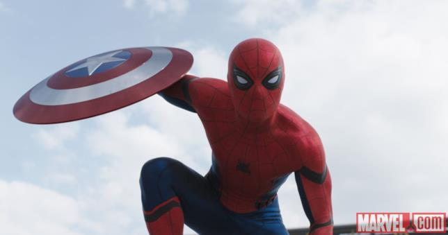 Spider-Man ruba lo scudo di Captain America