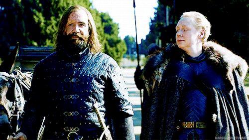 Il Mastino sorride insieme a Brienne
