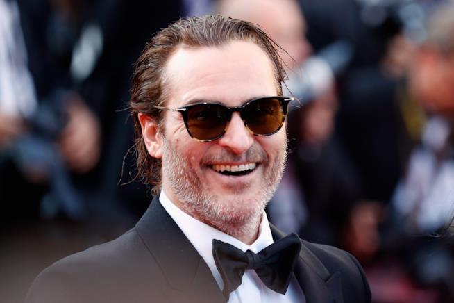 Ecco le prime foto dell'inaspettato look di Joaquin Phoenix come Joker