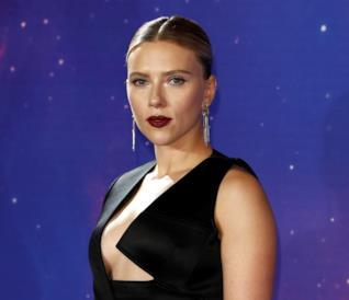 Un primo piano di Scarlett Johansson