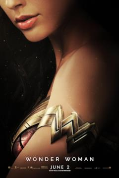 Il bracciale con il logo di Wonder Woman nel poster del film