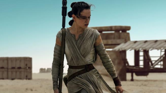 Daisy Ridley è Rey nel nuovo Guerre Stellari