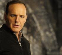Coulson e May in una scena del finale della quarta stagione dello show