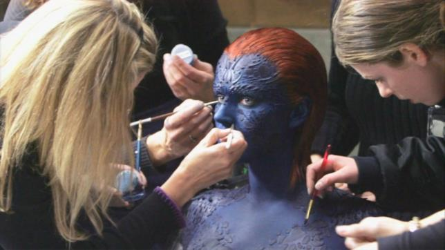 Jennifer Lawrence al make-up si trasforma in Mystica