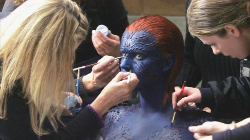 Jennifer Lawrence al make-up si trasforma in Mystica