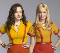Le due pazze cameriere di 2 Broke Girls sono pronte a farvi divertire