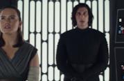 Rey e Kylo Ren (senza maschera) insieme