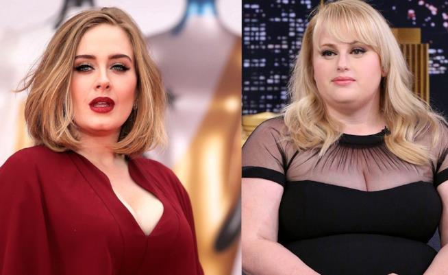 Primo piano di Adele e Rebel Wilson