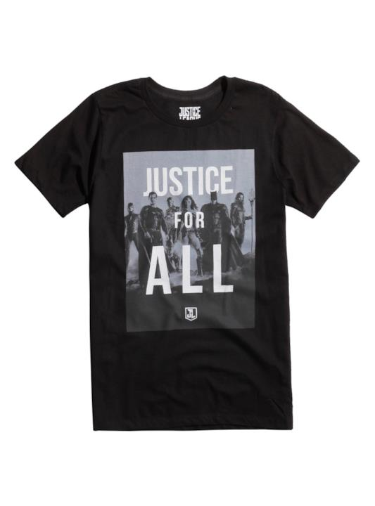 La maglietta nera brandizzata Justice League