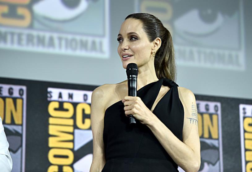 Un primo piano di Angelina Jolie al San Diego Comic-Con 2019
