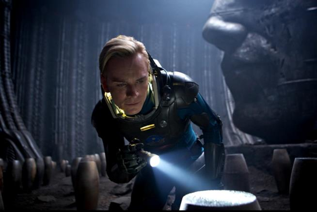 Michael Fassbender protagonista di Alien: Covenant
