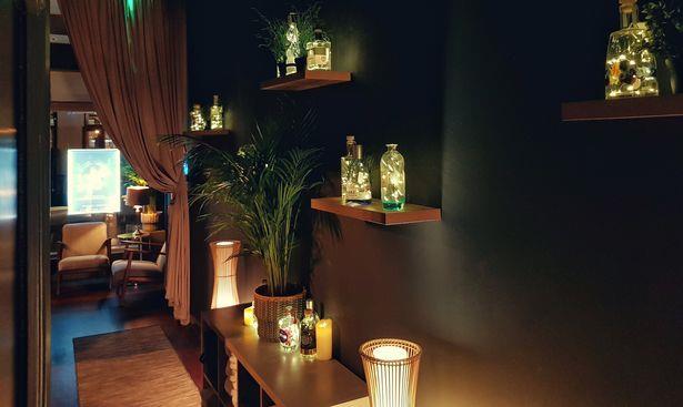 Primo piano di un corridoio di The Gin Spa a Glasgow, Scozia